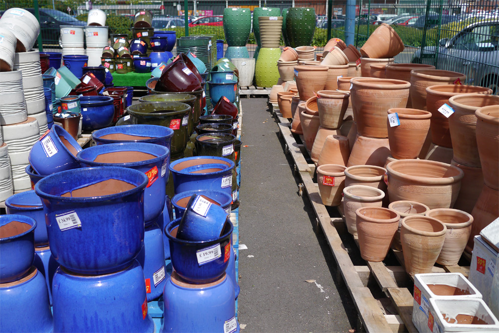 Large selection of terracotta & glazed pots